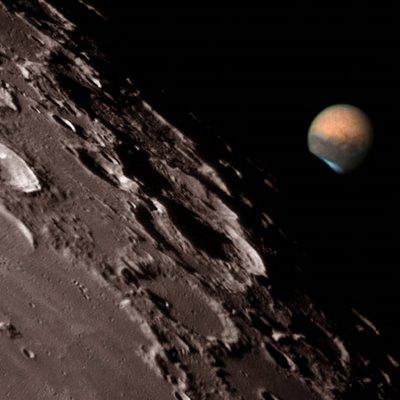 La luna es artificial Luna-artificial